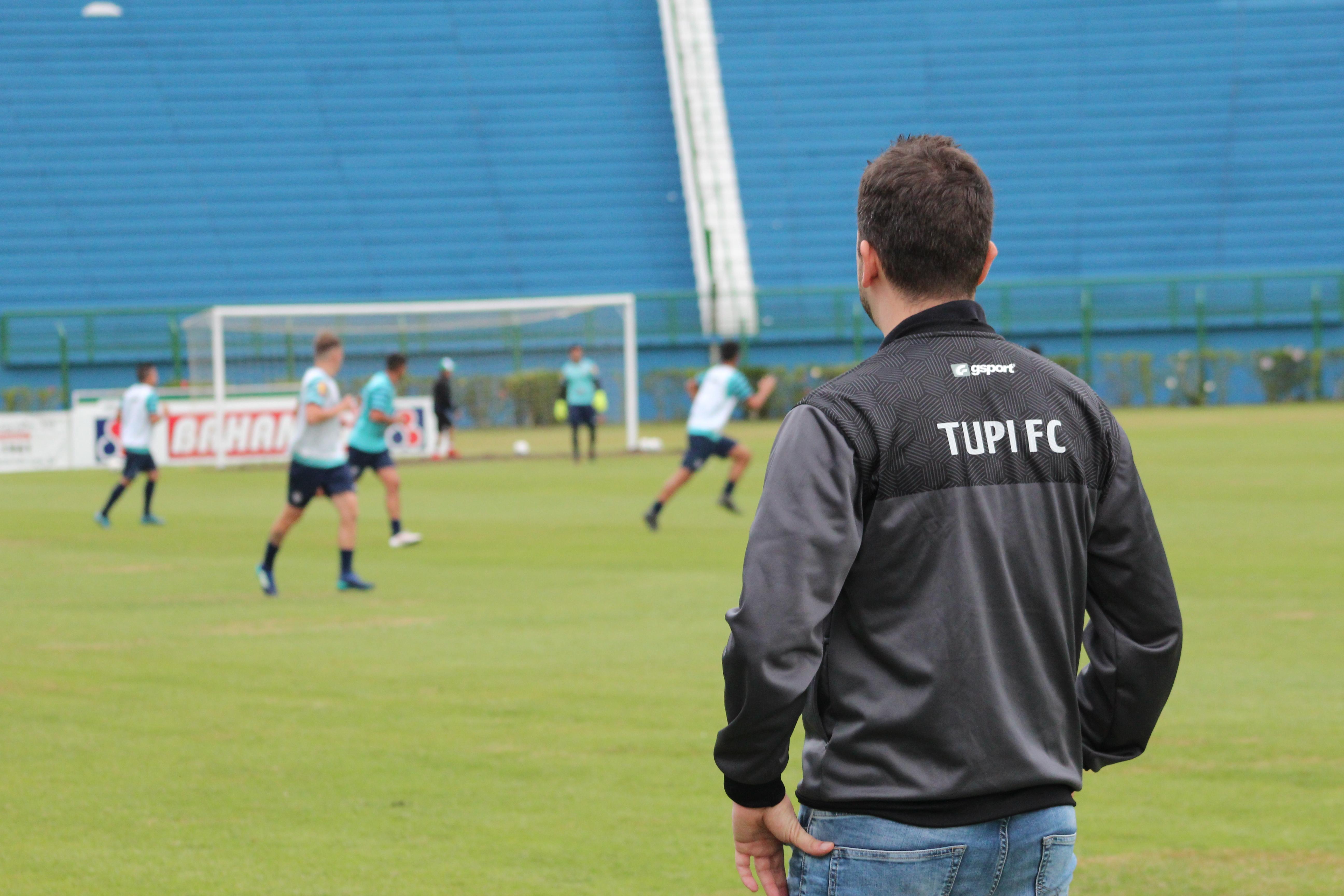 OBS2 - Psiquiatra do esporte no Tupi FC