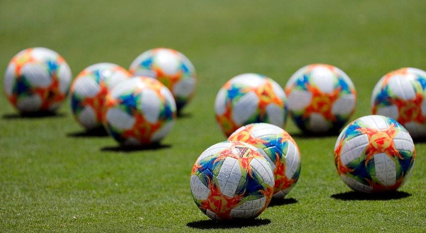 fifpro - Saúde mental em jogadores de futebol durante pandemia